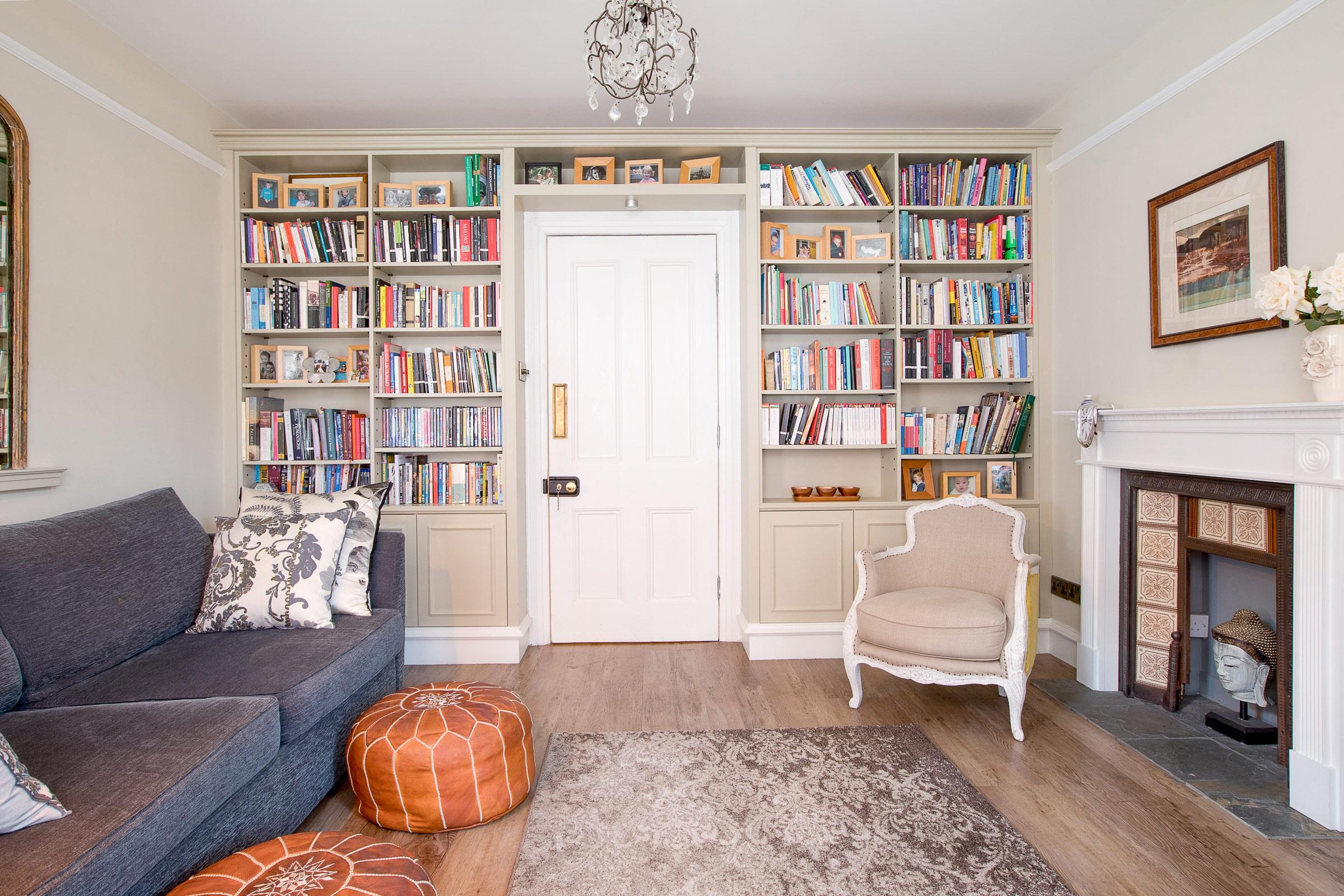Living room, overview door